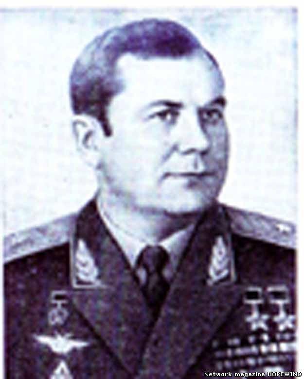 Дважды Герой Советского Союза, летчик-космонавт СССР П. Р. Попович (1930-2009)